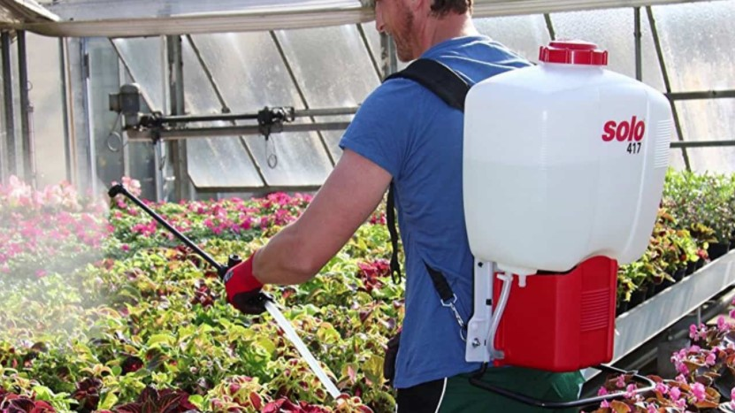 What is the Best Backpack Sprayer for Garden and Lawn